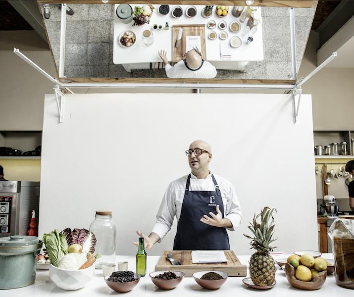 Máximo Cabrera: «La cocina conforma nuestra identidad»