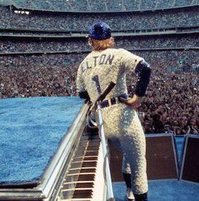 Elton John, a 45 años de los míticos recitales en el Dodger Stadium